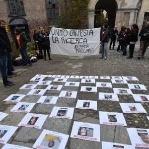 """Ricercatori """"scaduti come lo yogurt"""", a Torino la protesta davanti a Tito Boeri"""