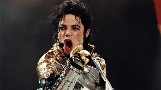 Torino, vie da intitolare: sì al papà del computer, no a Michael Jackson