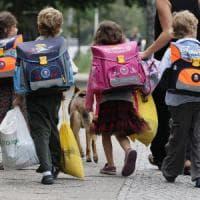 A scuola senza zaino e (quasi) senza compiti: l'esperienza felice di tre istituti...