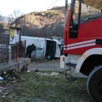 Portavalori si schianta in Val Susa: furgone contro un palo, autista ferito