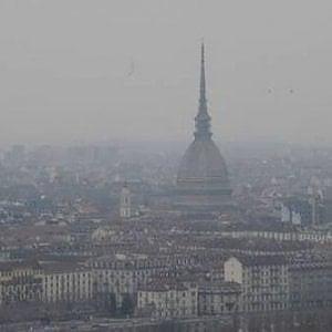 Emergenza smog in Piemonte, Alessandria ferma le auto e abbassa i termosifoni