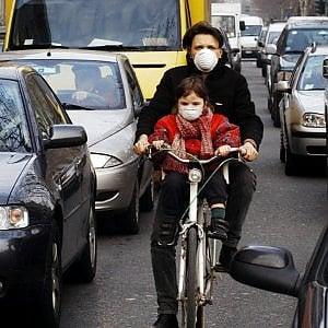 Torino, troppo smog: un bambino su due corre maggiori rischi di malattia