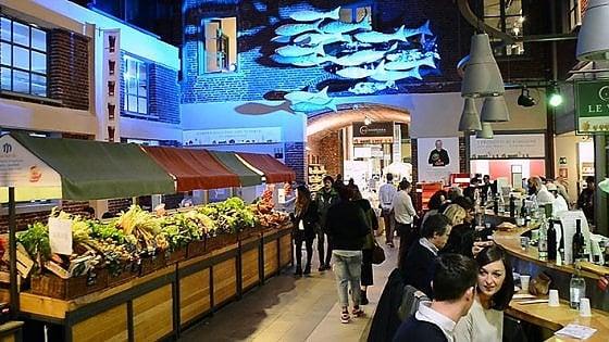 Torino, maxicena con parata di chef stellati: così Eataly celebra i dieci anni del suo primo food store