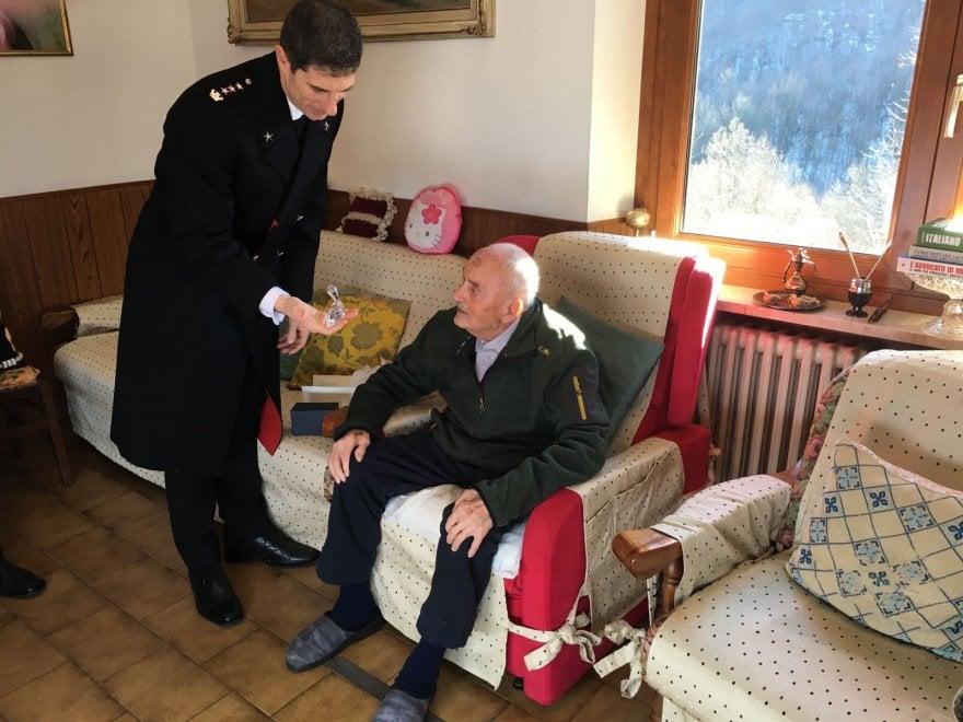 Torino, festeggiato l'appuntato Quinto Buffo, carabiniere di 104 anni