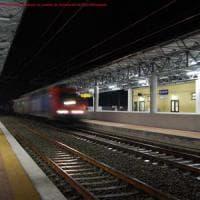 Novara, sorpreso in treno senza biglietto rompe le dita al carabiniere che