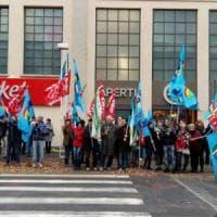 In Piemonte Carrefour licenzia e chiude due ipermercati, a casa più di 200 lavoratori