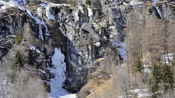 Gressoney, quattro scalatori italiani morti per il crollo di una cascata di ghiaccio