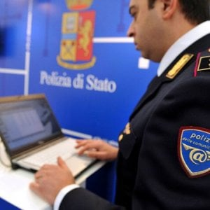 Biella, usavano Internet per adescare le ragazzine: denunciati dalla Polizia postale