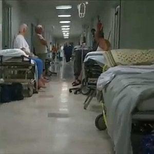 Torino, paziente cade dalla barella ma l'infermiera non deve pagare i danni