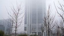 """Torna la nebbia a Torino e """"accorcia"""" il grattacielo"""