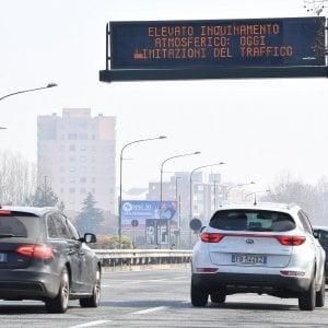 Torino, cala il traffico ma non lo smog . Stop  dgli Euro 4 diesel anche domani e giovedì