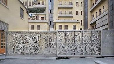 Torino rende omaggio a Depero,ecco  il Cancello futurista di Richi Ferrero