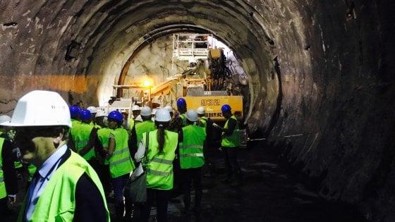 Torino-Lione, terminato il tunnel di Chiomonte: è costato 20 milioni solo per la sicurezza