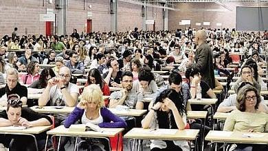 Torino, l'invasione degli infermieri:     dopo quasi dieci anni torna un concorso