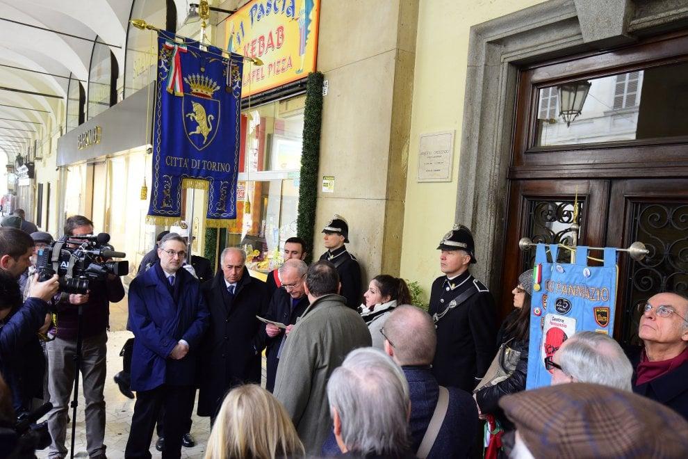 Torino, Angelo Azzurro: dopo le polemiche l'inaugurazione della targa a Crescenzio
