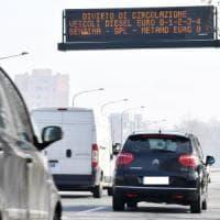Blocchi antismog a Torino, il Comune: ammettiamo che non hanno avuto effetto