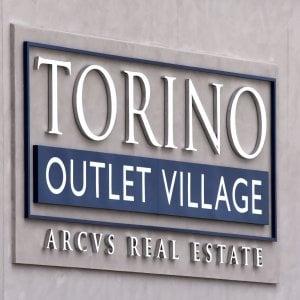 """Apre """"Torino village"""" l'outlet grandi firme da sei milioni di clienti l'anno"""