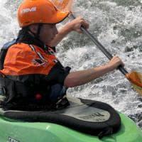 Si rovescia in una rapida, muore nel Vercellese kayakista diciassettenne