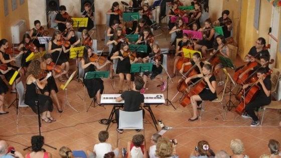 Torino, L'orchestra Dei 50 Ragazzi Suona Per La Lotta