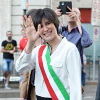 Torino, caro tariffe per rifiuti, Imu, sosta e Ztl: M5s compatto vota sì, via libera alla stangata