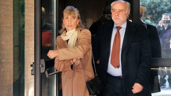 """Torino, morì di tumore """"curato"""" solo con la psicologia: 2 anni e 6 mesi alla dottoressa"""