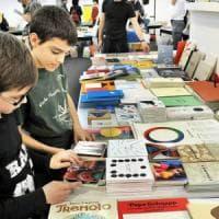Torino, dalla Regione 200mila euro ai ragazzi che acquistano libri al Salone