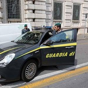 Torino, avvocato con studio in centro da 300 metri quadrati e villa in collina, per il fisco era reddito zero