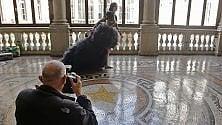 Torino, Palazzo Civico set fotografico per le scarpe gioiello di Vietri