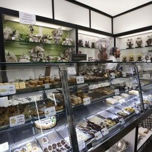 """""""Gocce di cioccolato"""" per i caffè biologici e la classica colomba"""