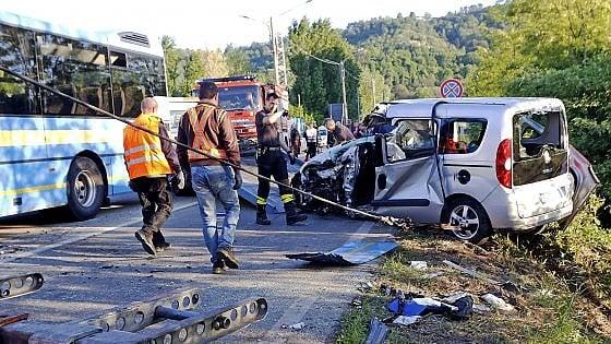 Chivasso: auto si scontra con un pullman, muore una donna