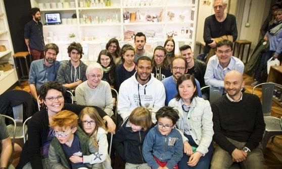 """Chris, il playmaker di Torino che sfida la sclerosi: """"I miei canestri per non arrendermi"""""""