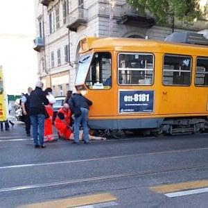 Torino, è morto quattro giorni dopo il prete ciclista finito sotto il tram