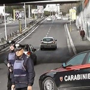 Carmagnola, si scontra con un'auto dopo un sorpasso e fugge, i vigili lo ritrovano