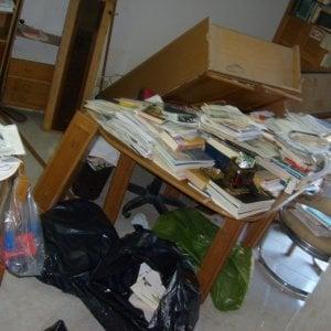 Vercelli, la libreria crolla addosso a una bambina, che si salva