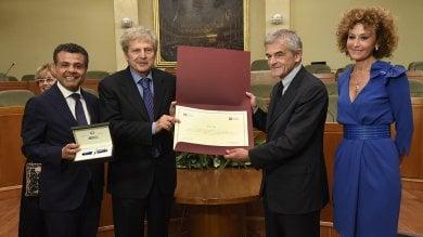 """Un premio a Torino per Ughi: """"La gioia  di un artista dev'essere condivisa""""   video"""
