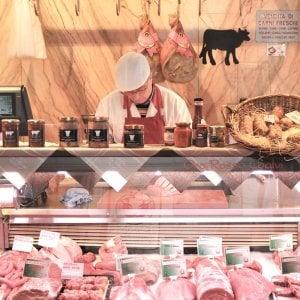 La macelleria Gabaleta con le carni di Coalvi e prodotti da tutt'Italia