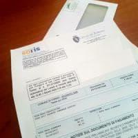 Torino, consegna delle bollette in ritardo: slitta il pagamento della tassa