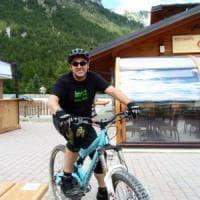 Colpito da infarto mentre pedala con gli amici, muore ciclista torinese