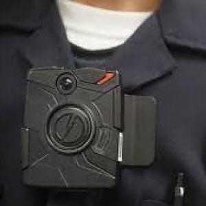 """Torino, """"body cam"""" sul corpo dei vigili per le operazioni ad alto rischio"""