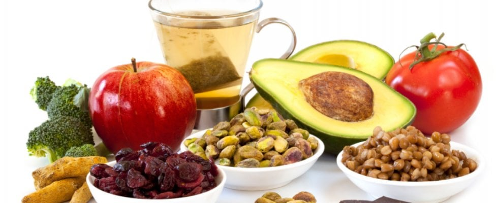 Cereali, pesce, verdure, cioccolato e miele: allegria e buon umore vengono mangiando