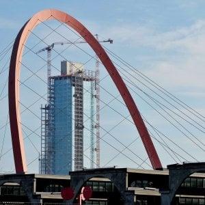 Torino, accordo tra Regione e Cmb: 14 mesi per finire il grattacielo