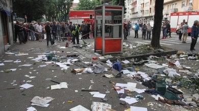 Torino, si è arreso dopo oltre 22 ore l'uomo barricato in casa in via Borgaro     video     foto
