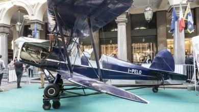 """Torino, cent'anni di """"lettere volanti"""": la posta area celebra un secolo   video     foto"""