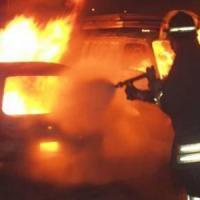Canavese, furgone si incendia durante il rifornimento: stazione di servizio