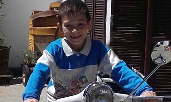 Tragedia al rally nel Torinese: auto esce di strada e uccide un bambino di sei anni