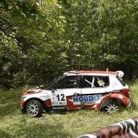 Bambino morto in incidente rally a Coassolo: nove indagati, anche i genitori