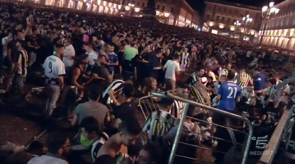 ASCOLTI 3 GIUGNO 2017: LA DISFATTA DELLA JUVENTUS SU CANALE 5 (54,9%) E LA NOTTE ORRIBILE CHE TORINO NON DIMENTICHERÀ