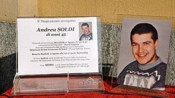 """Torino, trasferiti e """"promossi"""" i vigili accusati per il tso tragico di Andrea Soldi"""