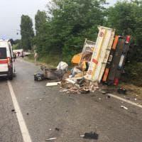 Chieri, auto contro camion: muore un pensionato