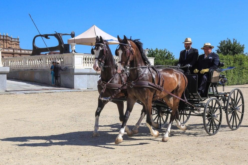 Alla Reggia di Venaria sfila l'aristocrazia delle carrozze